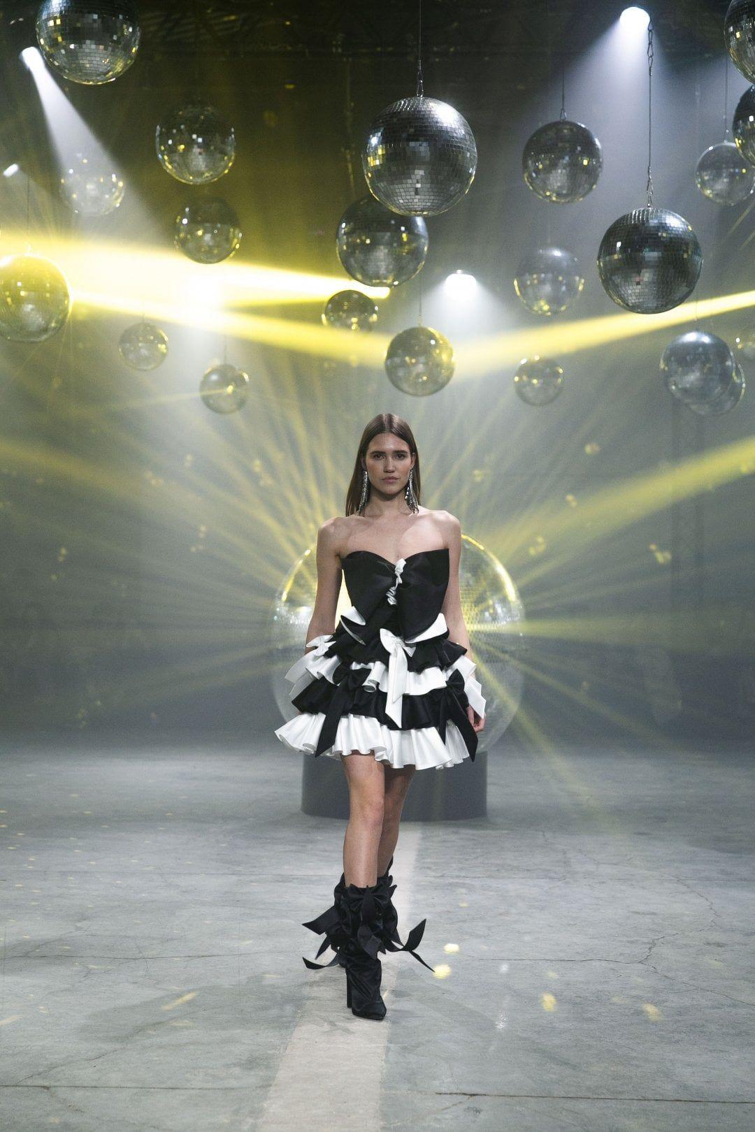 BLACK SWAN MINI DRESS
